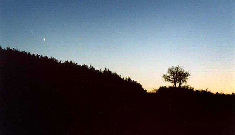 večerní Venuše na krátký čas