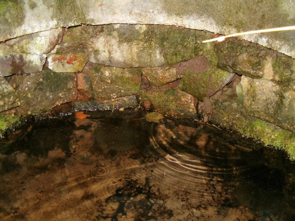studna na Skelné Huti