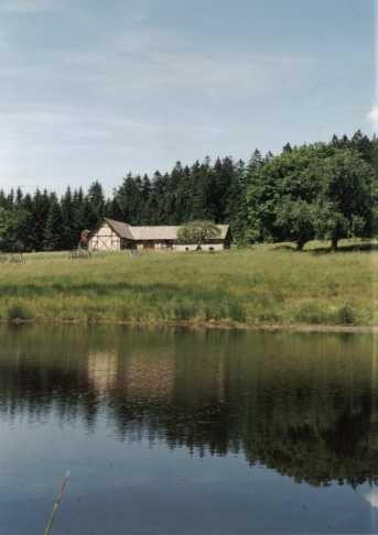 stodola Boru stála do roku 1998