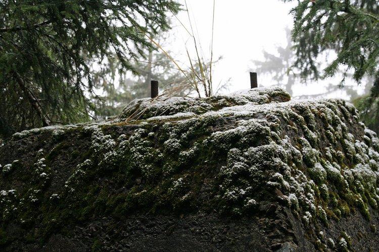 Sokl věže Heinrich s pěkně viditelnými šrouby