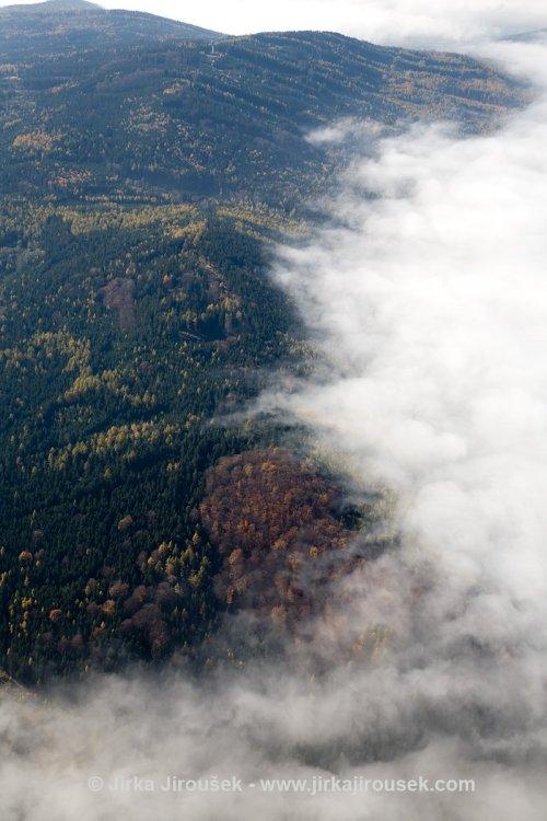 Hřebeny - vrch Písky s leteckým radarem