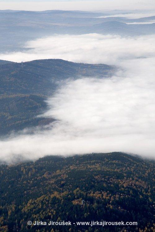 Hřebeny - vrch Písky s leteckým radarem a Studený vrch