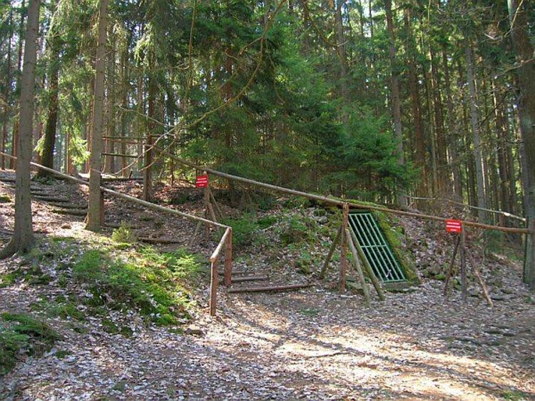 Zemljanka Újezd