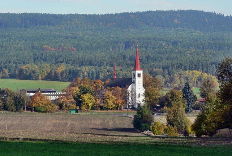 kostel Bohutín a Třemošná od struh
