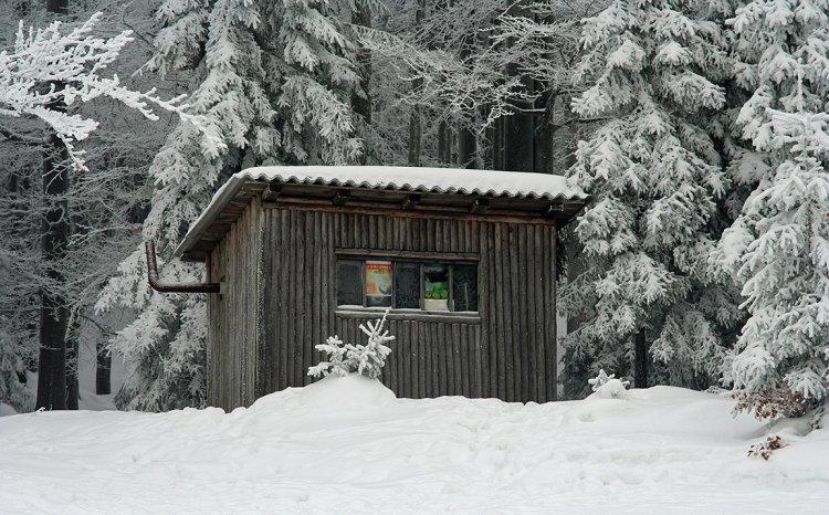 Lesnická bouda na úbočí Hlavy