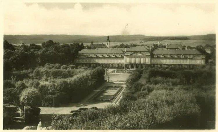 zámek Dobříš 1950
