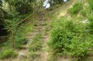 schody od asfaltky na Hejlák