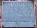 Deska památníku u Malé Třemošné